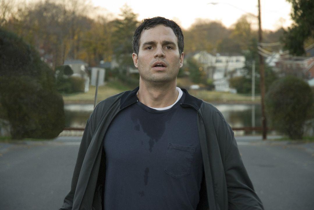 Anwalt Dwight Arnos (Mark Ruffalo) Angst ist zu groß, das Sorgerecht für seinen eigenen Sohn zu verlieren. Deshalb stellt er sich nicht der Polizei.... - Bildquelle: TOBIS Film