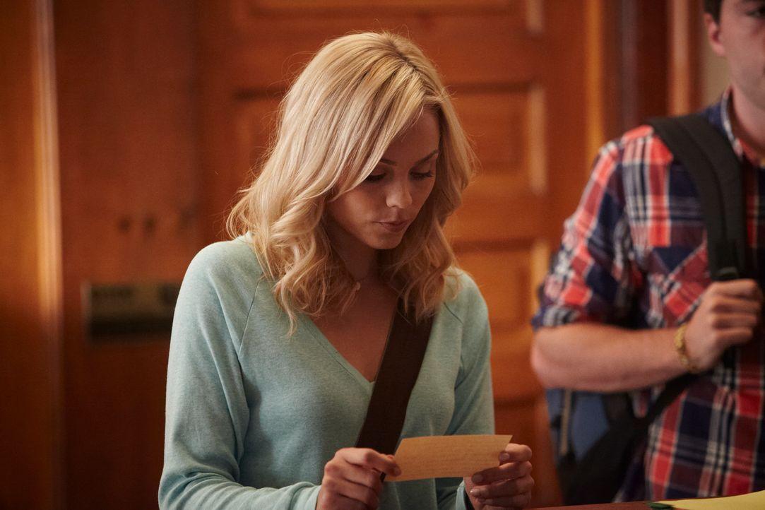 Vor vier Jahren ahnte Elena (Laura Vandervoort) noch nicht, in welche gefährliche Welt sie vordringt ... - Bildquelle: 2014 She-Wolf Season 1 Productions Inc.