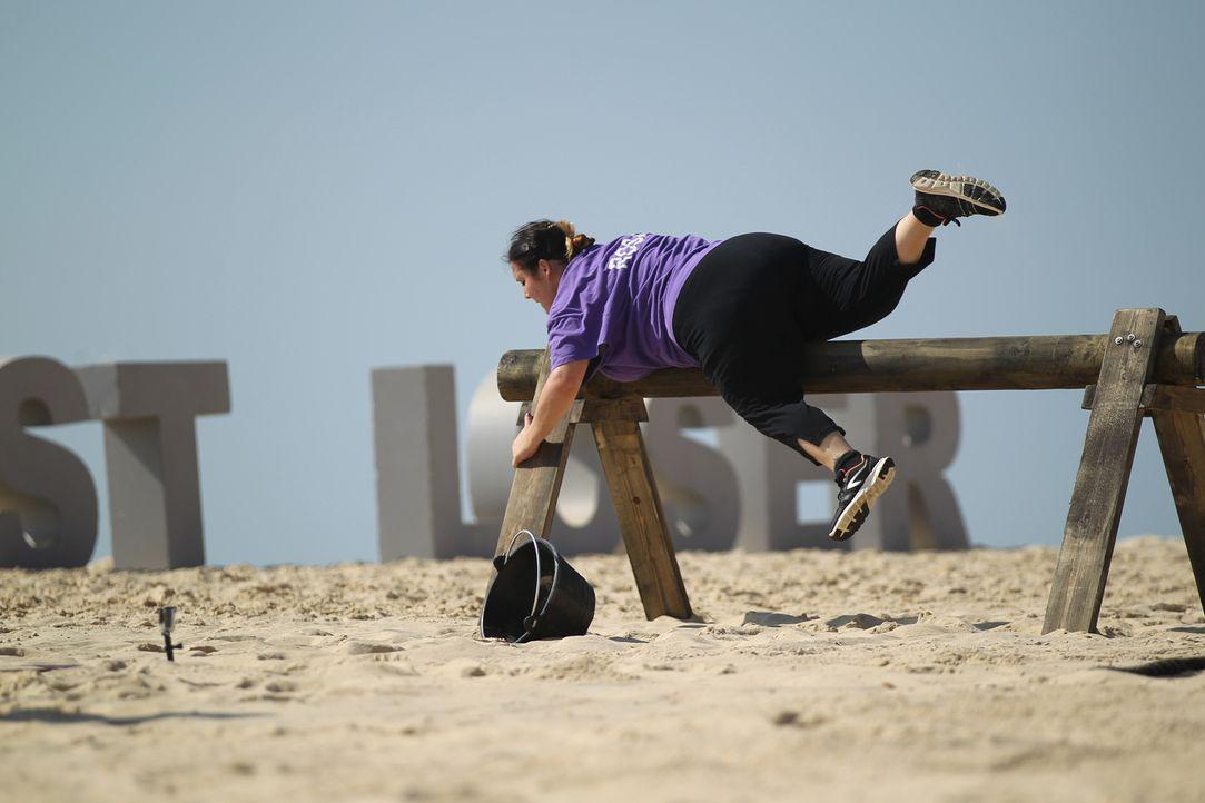 Auch Rosa und ihr Team wollen unbedingt den Parcours gewinnen, doch die Hitze und der tiefe Sand machen aus dem vermeintlich einfachen Wettkampf ein... - Bildquelle: Enrique Cano SAT.1