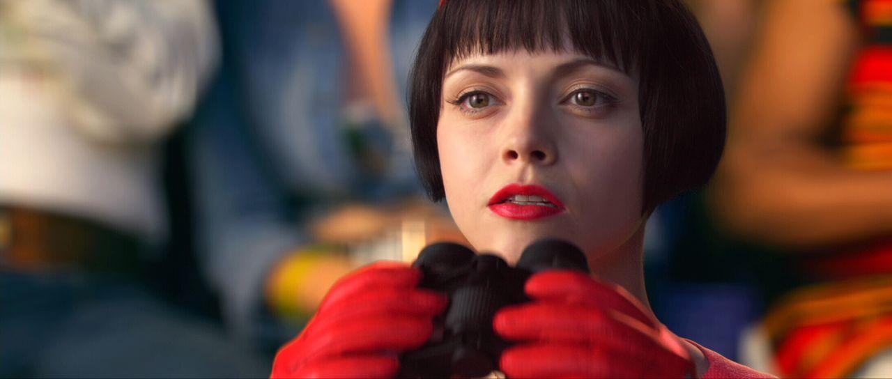 Als ihr Freund sich weigert, den Rennstall zu wechseln, befürchtet Trixie (Christina Ricci), dass ihm jetzt die Konkurrenz das Leben schwer machen wird. Dass allerdings ein hohes Kopfgeld auf ihn ausgesetzt wird, ahnt nicht einmal sie ...