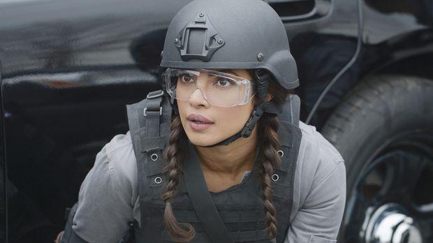 Alex (Priyanka Chopra) und die anderen Rekruten treffen auf eine Gruppe ander...