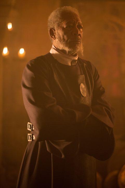 Von den Fürsten des Reiches werden große Geschenke erwartet. Fürst Bartok (Morgan Freeman) lehnt diese Verfahrensweise ab und überbringt dem kaiserl... - Bildquelle: Wild Bunch