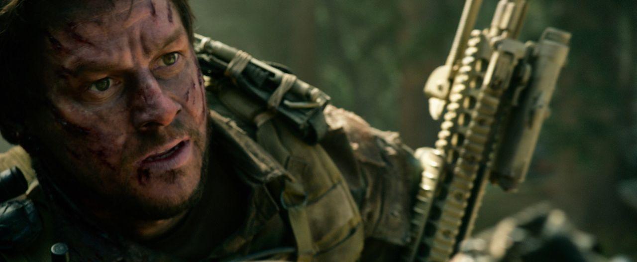 Begeht als Dienstältester einen fatalen Fehler: Marcus Luttrell (Mark Wahlberg), der ihn und seine Kameraden das Leben kosten kann ... - Bildquelle: Universal Pictures