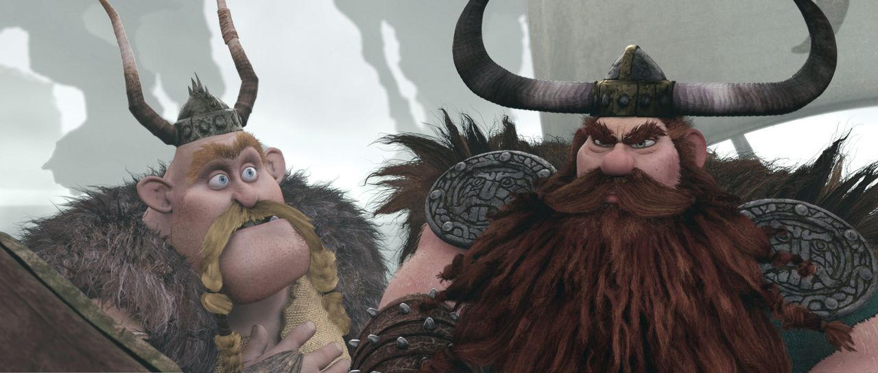 Lagebesprechung: Der Wikingerhäuptling Haudrauf (r.) berät sich mit seinem Freund Grobian (l.) darüber, wie die Dorfbewohner als nächstes im Kam... - Bildquelle: 2012 by DreamWorks Animation LLC. All rights reserved.