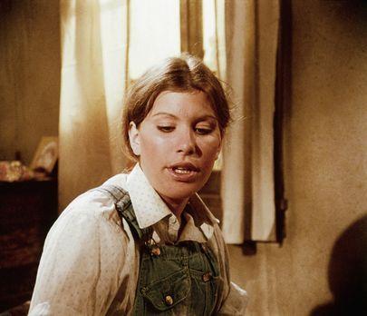Die Waltons - Mary Ellen (Judy Norton-Taylor) wartet ungeduldig auf ihre Zula...