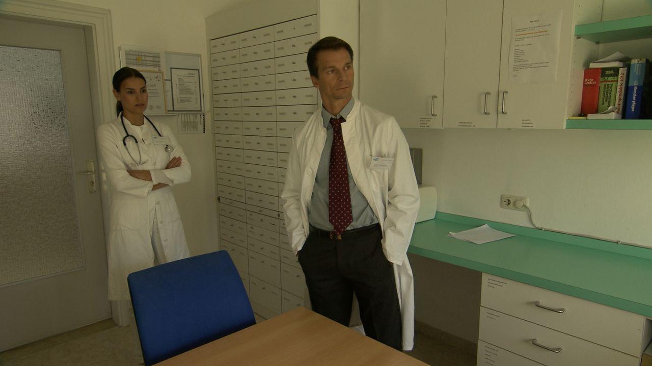Arztin in Not_13