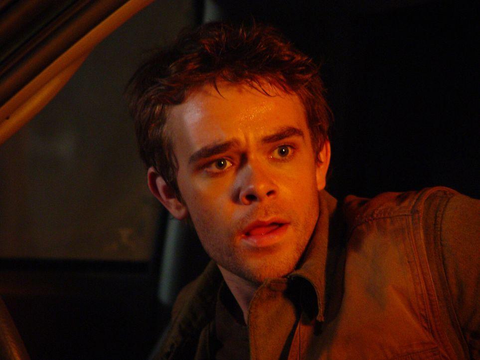 Vor zehn Jahren gelang es John Connor (Nick Stahl) die Apokalypse abzuwenden. Dennoch lebt er weiterhin in ständiger Angst und wird von Visionen und... - Bildquelle: 2004 Sony Pictures Television International. All Rights Reserved.
