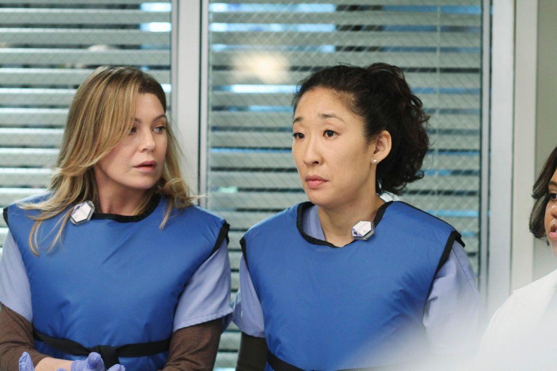 Stehen vor einer Schweren Herausforderung: Meredith (Ellen Pompeo, l.) und Cristina (Sandra Oh, r.) ... - Bildquelle: Touchstone Television