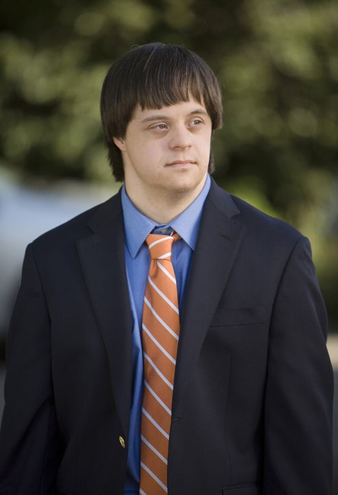 Tom (Luke Zimmerman) ist durch seine Krankheit eingeschränkt, aber kann durch die Hilfe seiner Adoptivfamilie ein relativ normales Teenagerleben füh... - Bildquelle: ABC Family