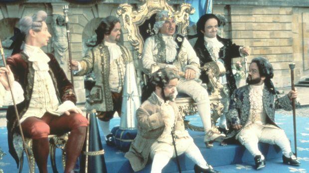 Für König Louis XVI (Mel Brooks, M.) hält so mancher den Kopf hin - meist unf...