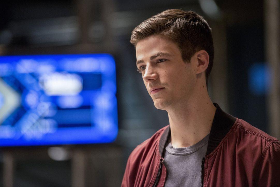 Versucht alles, um Cisco zu unterstützen, nachdem dieser sich unüberlegt auf einen Kampf einlässt: Barry (Grant Gustin) ... - Bildquelle: 2016 Warner Bros.