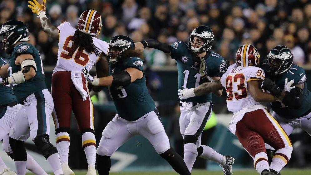Carson Wentz führte seine Eagles zum Sieg über die Redskins - Bildquelle: Getty