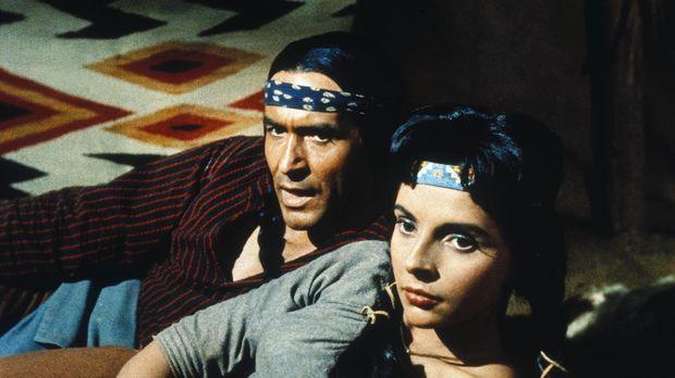 Matsu (Ricardo Montalbán, l.) und seine Frau Attoya (Darsteller unbekannt) ha...