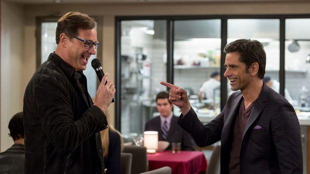 Jimmy (John Stamos, r.) freut sich sehr, seinen besten Freund Ronnie (Bob Sag...