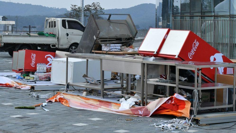 Sturm in Pyeongchang bringt Verletzte und Verwüstungen - Bildquelle: AFPSIDMLADEN ANTONOV
