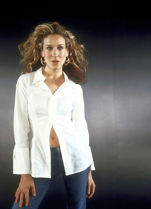 (3. Staffel) - Als Autorin der Zeitung 'New York Star' hat Carrie Bradshaw (Sarah Jessica Parker) ihre eigene beliebte Kolumne: 'Sex and the City'. - Bildquelle: Paramount Pictures