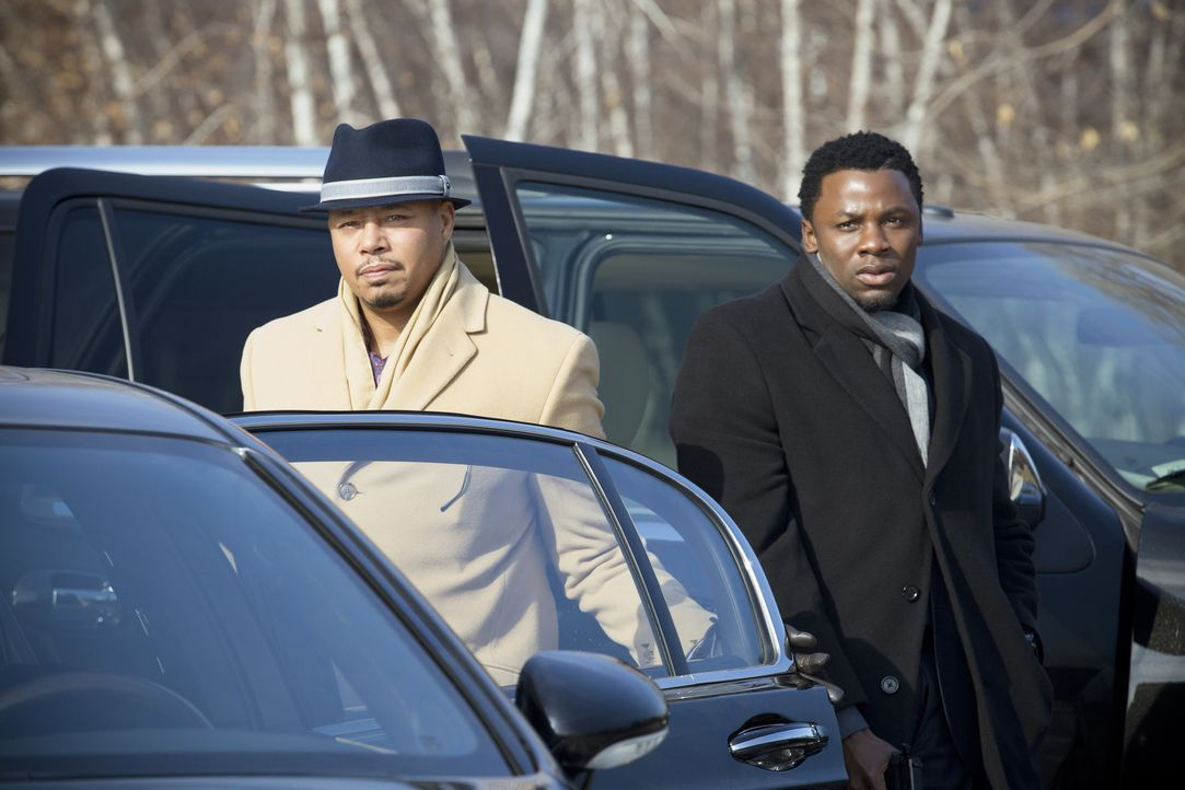 Es kommt zum Showdown zwischen Lucious Lyon (Terrence Howard, l.) und seinem ewigen Konkurrenten Beretti. Empires Sicherheitsmann Malcolm (Derek Luk... - Bildquelle: 2015 Fox and its related entities.  All rights reserved.