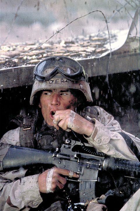 Ranger und Delta-Force-Soldaten (Josh Hartnett) werden umzingelt und von der Außenwelt abgeschnitten. Ein verzweifelter Kampf ums Überleben beginn... - Bildquelle: Columbia Pictures