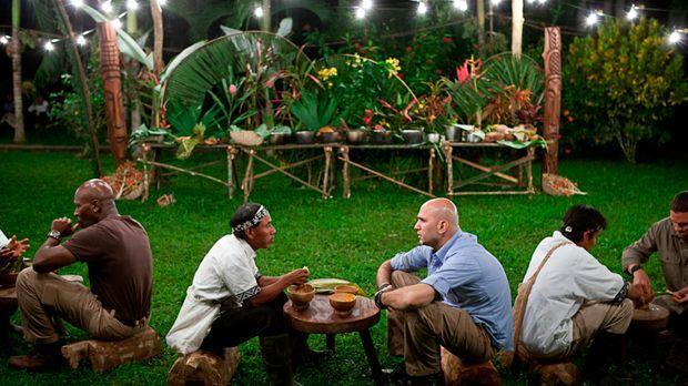 In Belize sollen Madison Cowan (l.), Michael Psilakis (M.) und Kayne Raymond,...