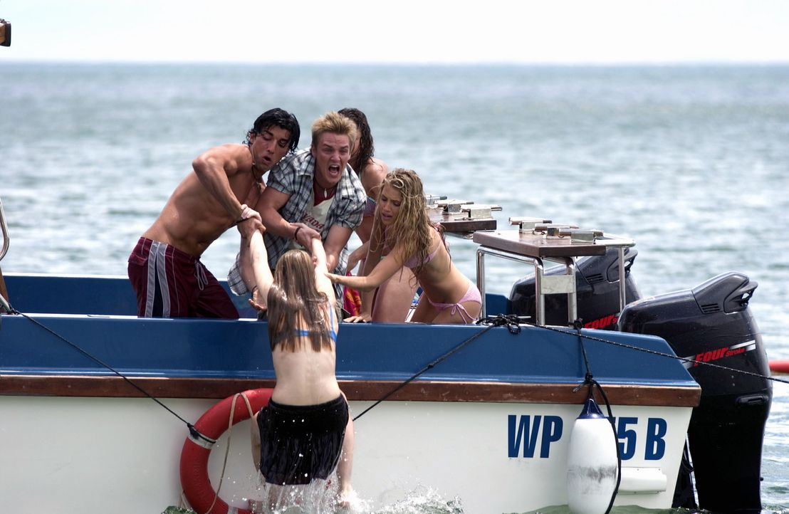 In letzter Sekunde können (v.l.n.r.) T.J. (Justin Baldoni), Shane (Riley Smith) und die Freundinnen (Bianca Lishansky, Genevieve Howard), Danielle... - Bildquelle: CBS Television