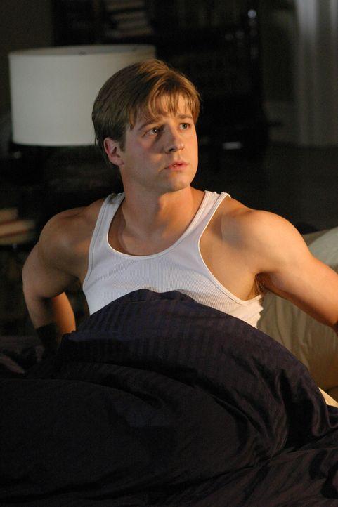 Ryan (Benjamin McKenzie) hat keine Ahnung was mit Marissa los ist ... - Bildquelle: Warner Bros. Television