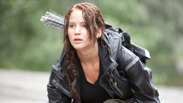 Die 16-jährige Katniss (Jennifer Lawrence) aus Distrikt 12 wird zu den mörder...