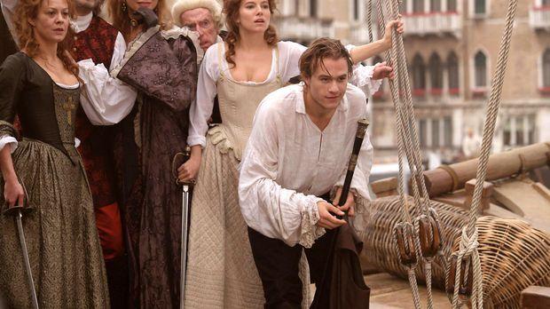 Keine kann ihm, Casanova (Heath Ledger, vorne), widerstehen: Mama Casanova (H...
