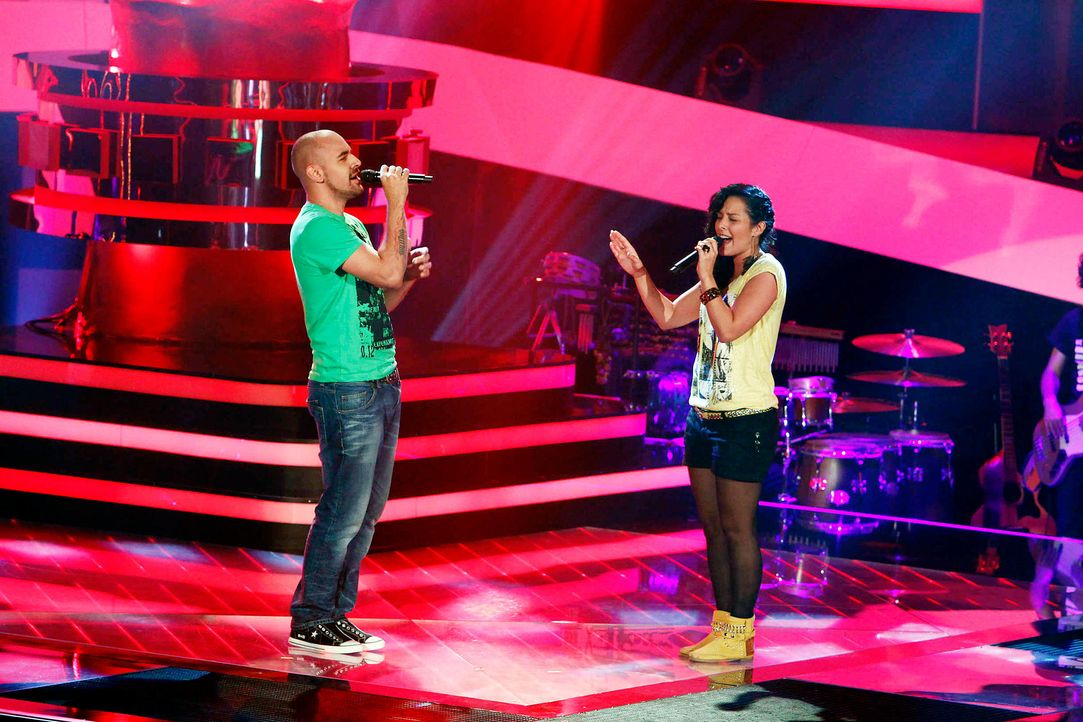 sami-samira-01-the-voice-of-germany-staffel-2-epi05-showjpg 2100 x 1400 - Bildquelle: SAT.1/ProSieben/Richard Hübner