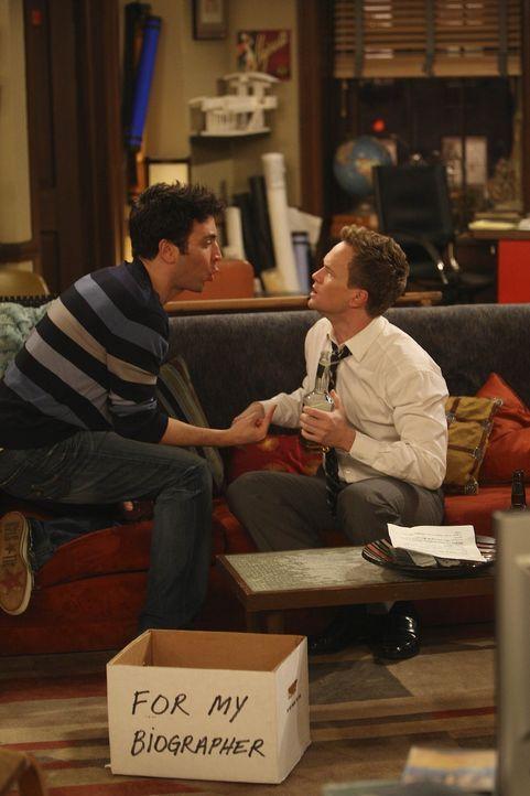 Während Ted (Josh Radnor, l.) und Barney (Neil Patrick Harris, r.) Robin wieder zurück haben wollen, haben Lily und Marshall beschlossen in sepera... - Bildquelle: 20th Century Fox International Television