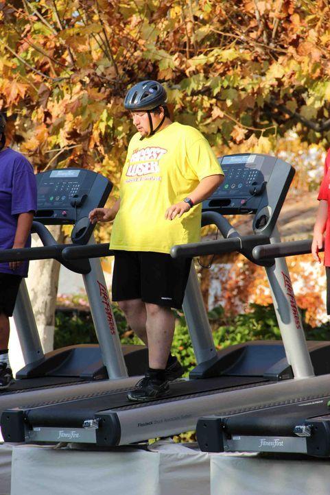 Diese Woche müssen die Teilnehmer so lange wie möglich auf dem Laufband durchhalten. Dem Gewinner winkt ein Vorteil beim Wiegen, während die Verl... - Bildquelle: Enrique Cano SAT.1