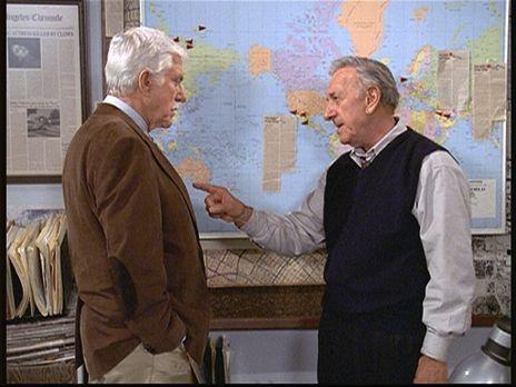 Diagnose: Mord - Harry Trumble (Jack Klugman, r.) erklärt Mark (Dick Van Dyke...