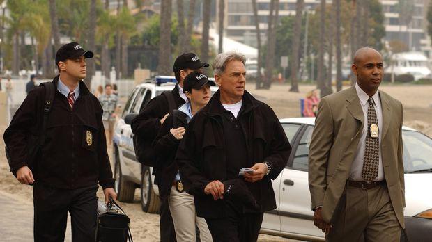 Auf der Suche nach Beweisen: Timothy McGee (Sean Murray, l.), Tony Dinozzo (M...