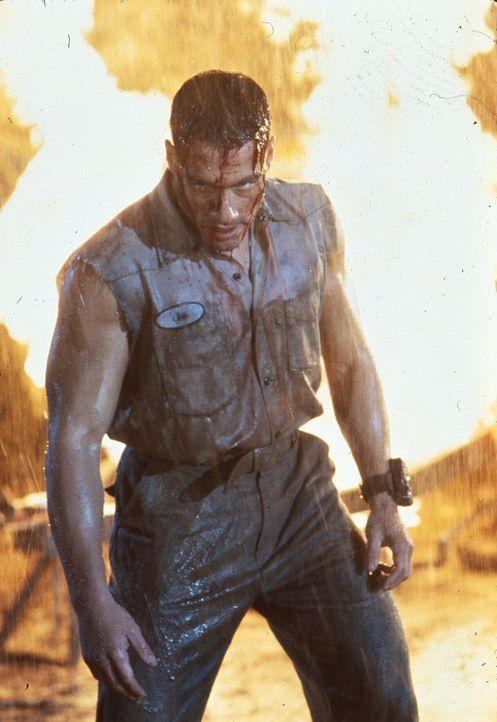 Hat noch eine mörderische Rechnung offen: Luc Devreux (Jean-Claude Van Damme) ... - Bildquelle: 1992 TriStar Pictures