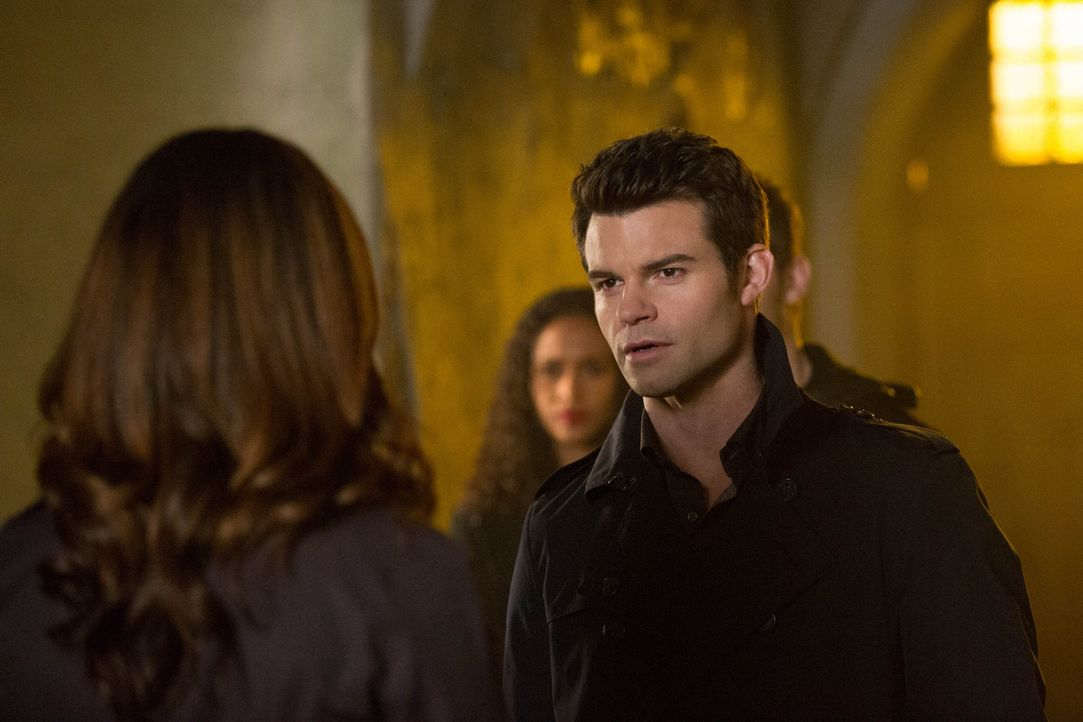 Elijah und Hayley - Bildquelle: Warner Bros. Entertainment Inc.