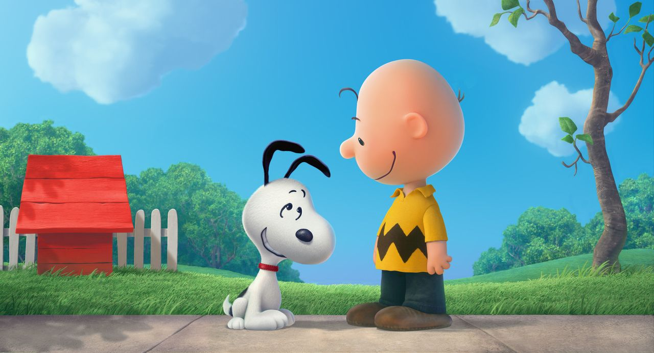Was würde er nur ohne ihn tun? Charlie Browns (r.) treuer Gefährte Snoopy (l.) hilft ihm oft aus der Patsche. - Bildquelle: 2015 Twentieth Century Fox Film Corporation.  All rights reserved.  PEANUTS   2015 Peanuts Worldwide LLC.