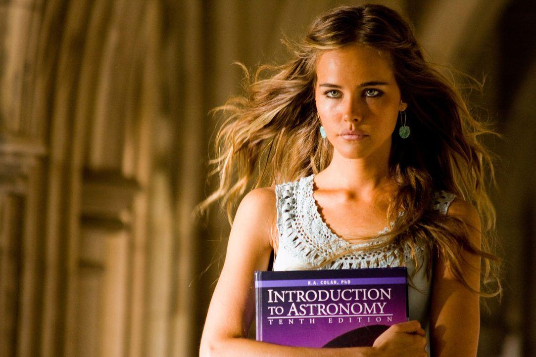 Alice (Isabel Lucas) ist nicht diejenige, die sie zu sein vorgibt ... - Bildquelle: MMIX DW STUDIOS L.L.C. and PARAMOUNT PICTURES CORPORATION. All Rights Reserved.
