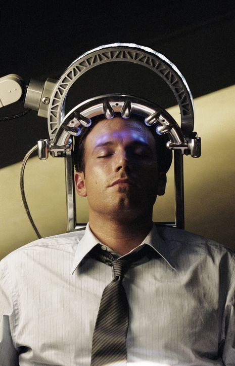 Für den SciFi-High-Tech-Ingenieur Michael Jennings (Ben Affleck) ist es durchaus normal, dass er hin und wieder an Geheimprojekten arbeitet, an die... - Bildquelle: 2003 by Dreamworks Productions LLC and Paramount Pictures Corporation. All rights reserved.