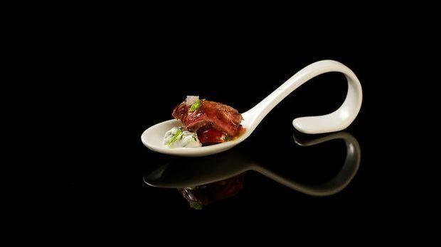 The-Taste-Stf01-Epi05-1-Lammfilet-Tolga-Klein-02-SAT1