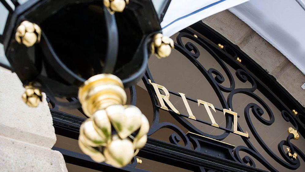 Polizei sucht nach den Ritz-Räubern - Bildquelle: Etienne Laurent/EPA/dpa