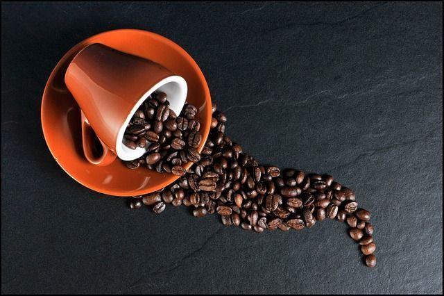 1) KaffeefleckenGegen hartnäckige Kaffeeflecken kann man folgender Maßen vor...