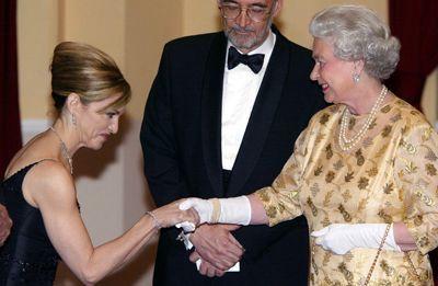Madonna bei der Queen - Bildquelle: getty - AFP