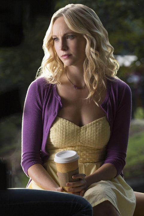 Als ihre Mutter plötzlich in die Schusslinie gerät, muss Caroline (Candice Accola) schnell handeln ... - Bildquelle: Warner Bros. Entertainment, Inc