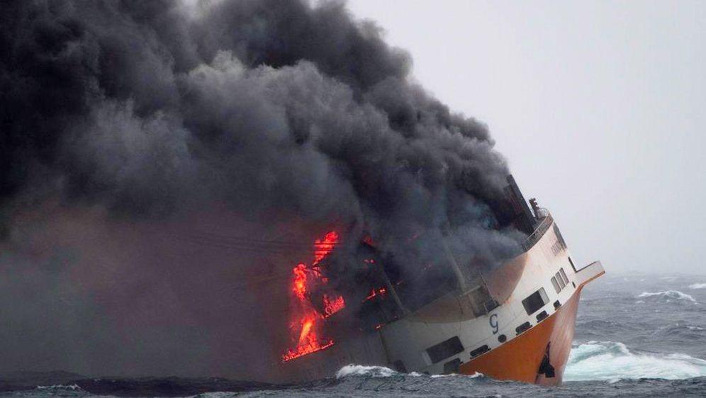 - Bildquelle: Loic Bernardin/Marine Nationale/AP/dpa