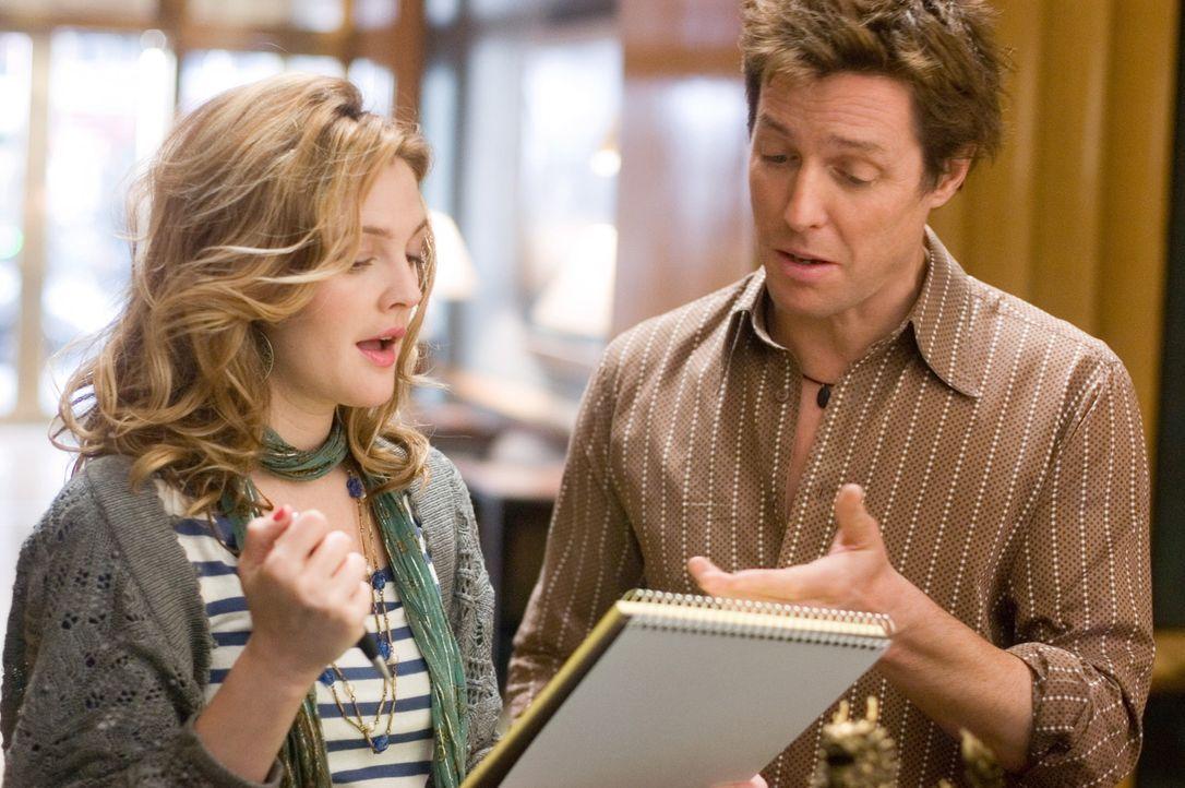 Popprinzessin Cora Corman bittet Alex Fletcher (Hugh Grant, r.) um einen Song für ihr nächstes Album. Eigentlich wäre das seine Chance auf ein Co... - Bildquelle: Warner Bros.