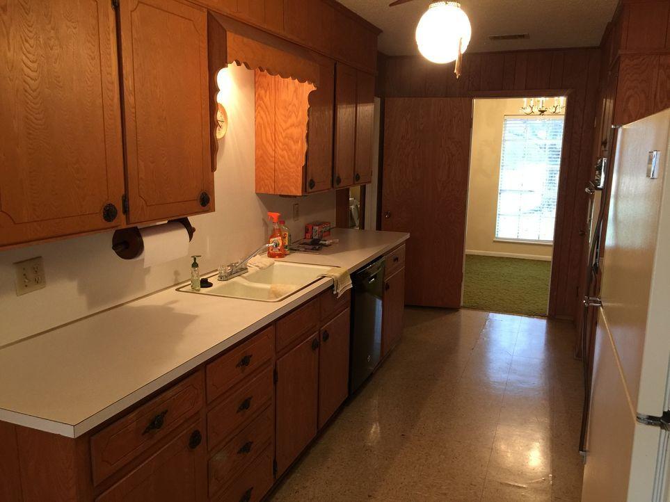 So sieht es noch vor dem Umbau aus. Nach der Renovierung werden Chris und Lindy ihr neues Traum-Zuhause nicht mehr wiedererkennen ... - Bildquelle: 2015, HGTV/ Scripps Networks, LLC.  All Rights Reserved.