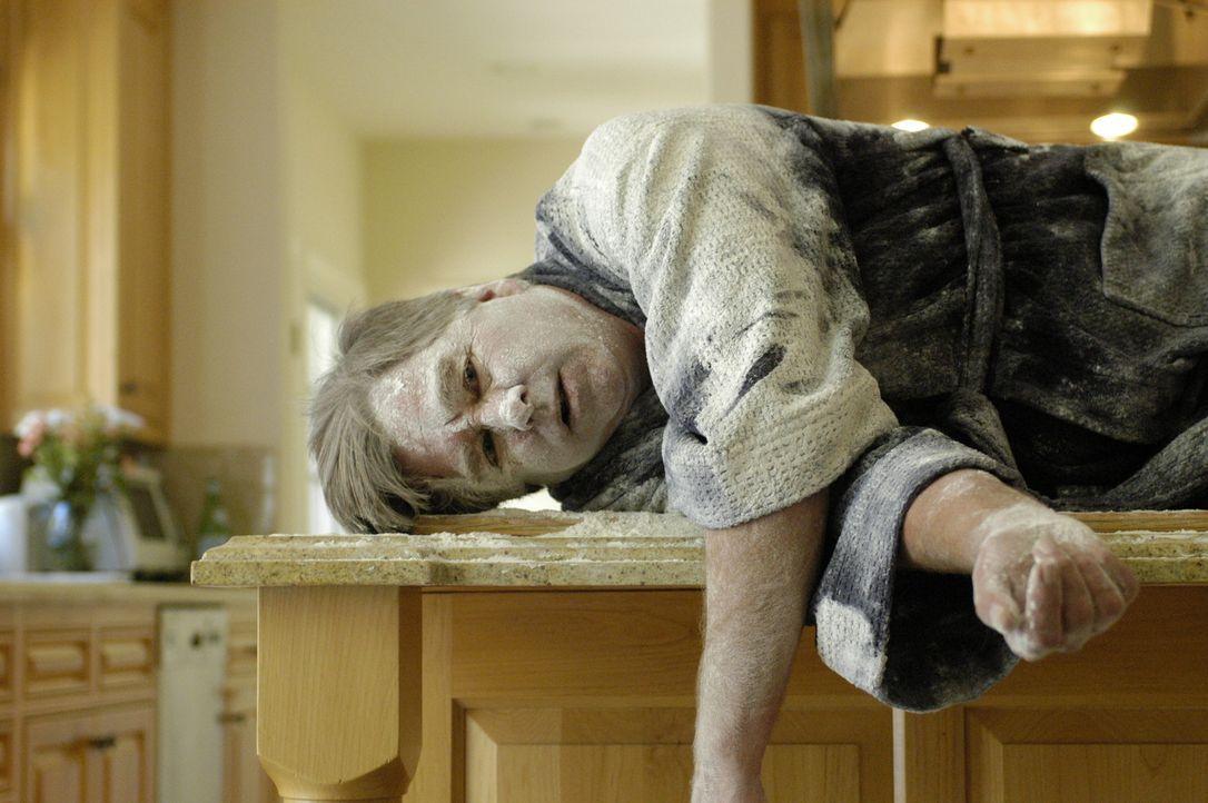Harvey Bellinger (Beau Bridges) ist Vater in einer vom Chaos geprägten Familie. Deshalb kommt seinem Stiefsohn Colby eine irre Idee - er installier... - Bildquelle: RRS Entertainment GmbH