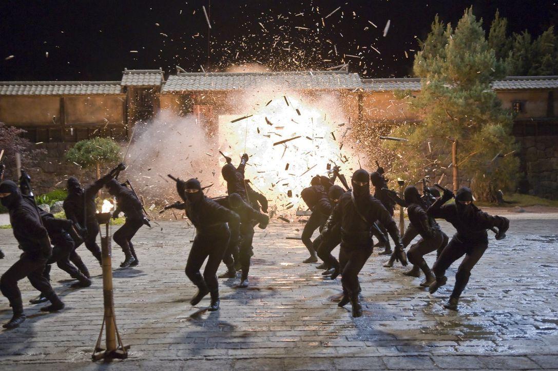 Immer wieder gibt der grausame Ozunu-Clan, eine der gefürchtetsten Organisationen Japans, Straßenkindern eine Bleibe. Allerdings beginnt dort für vi... - Bildquelle: 2009 Warner Brothers