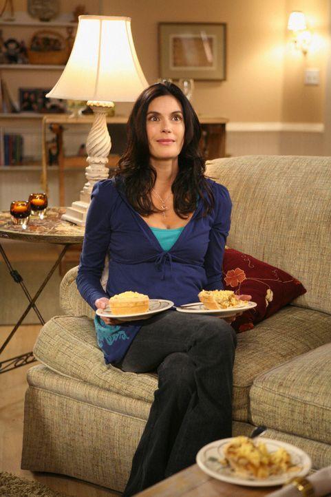 Susan (Teri Hatcher) erinnert sich mit Schrecken zurück an die Zeit, als sie bei Bree Unterschlupf fand, und hofft, dass Brees Haus bald wieder herg... - Bildquelle: ABC Studios