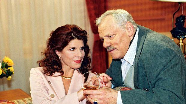 Otto Stern (Adolf Laimböck, r.) lässt sich von seiner Ex-Frau Marion (Claudia...