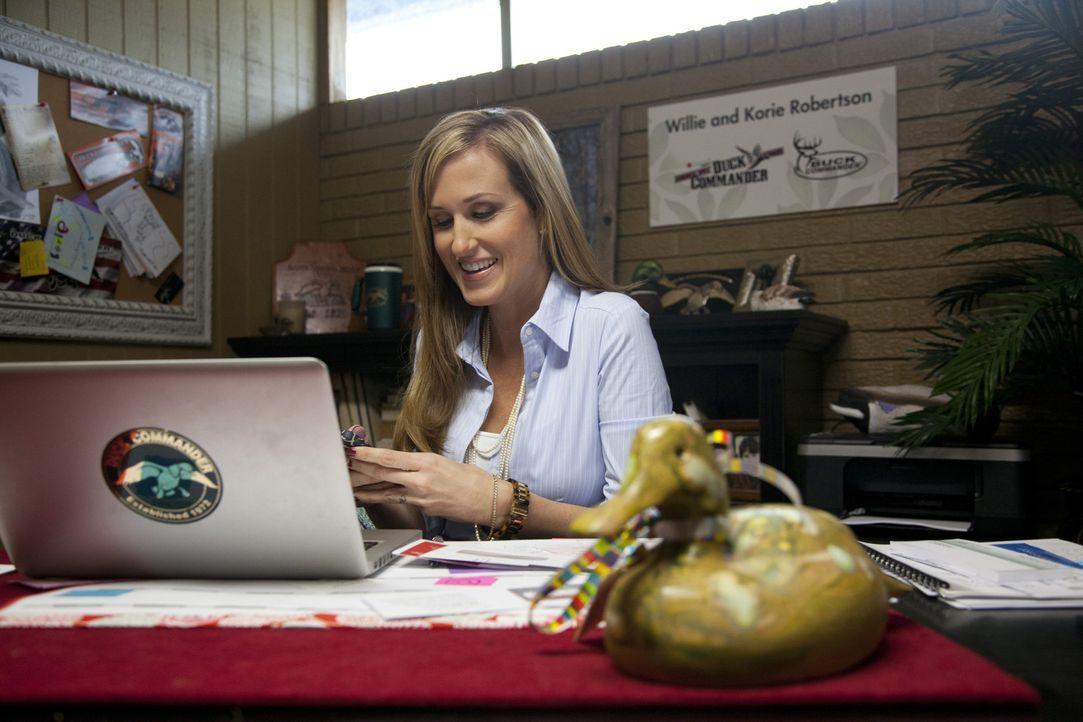 Über die Wette zwischen ihren Brüdern kann Korie (Korie Robertson) nur lächeln. Sie weiß genau, wer sich zum Geschäftsführer von Duck Commande... - Bildquelle: Zach Dilgard 2012 A+E Networks